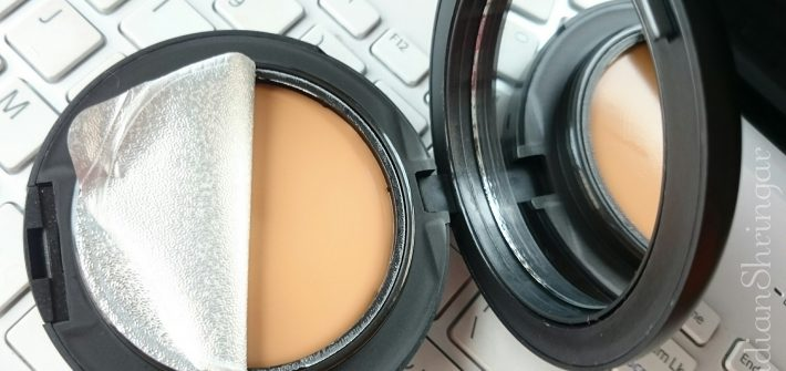 MAC Studio Tech Foundation in NC42 review and swatch