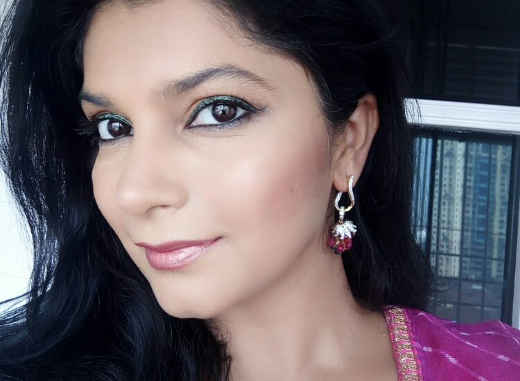 Lakme Strobe and Shine Festive Glam Look