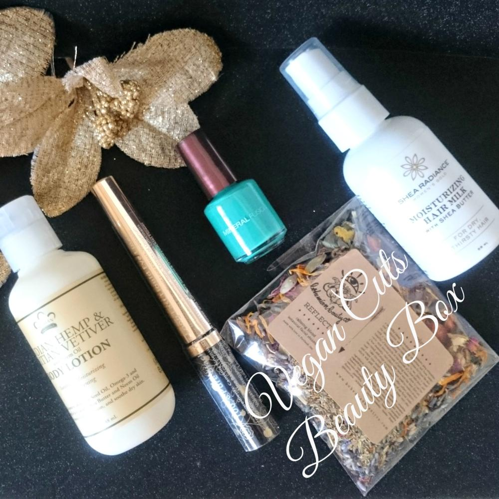 Vegan Cuts Beauty Box December 2015 contents and unboxing