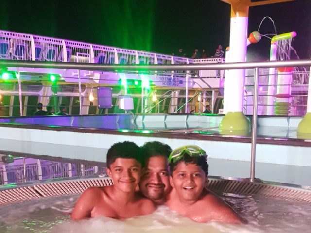 Pool on Jalesh Cruises Karnika