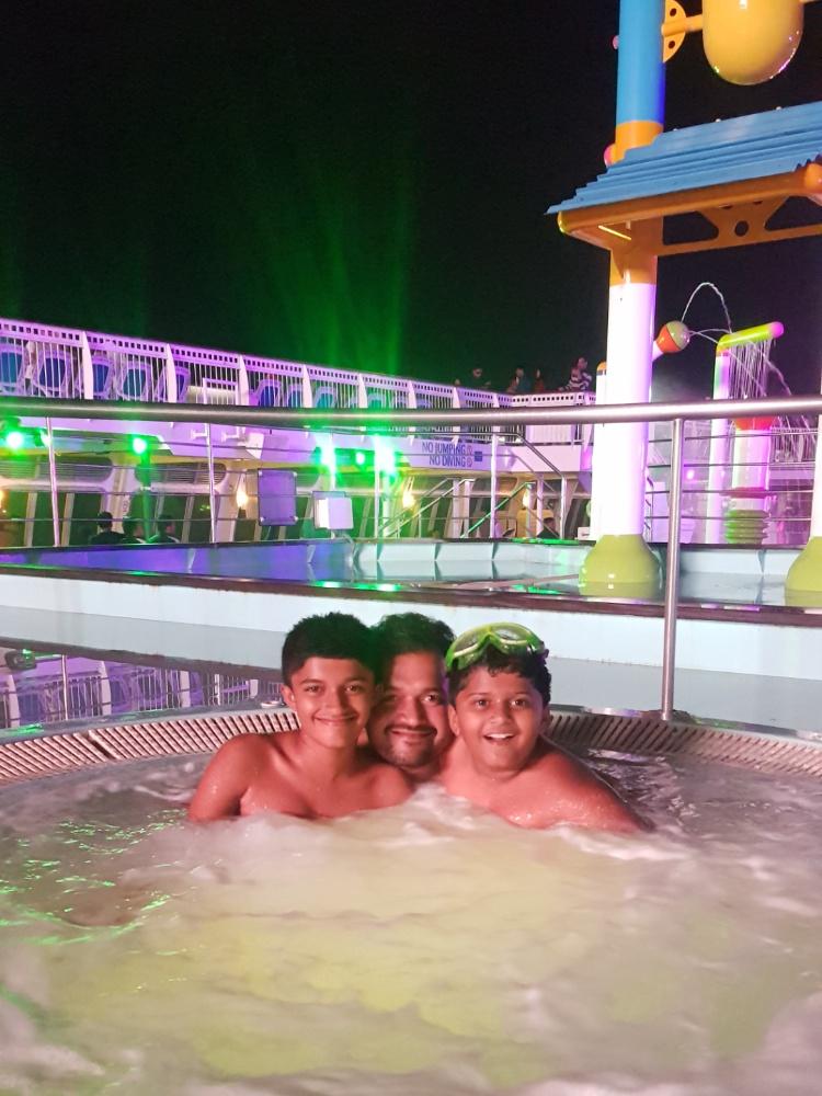 Pool on Jalesh Cruises Karnika