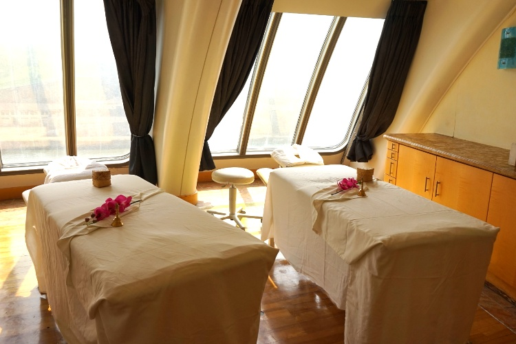 Couple's spa room on Jalesh Cruises Karnika